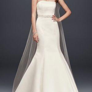 Davids Bridal Wedding Gown